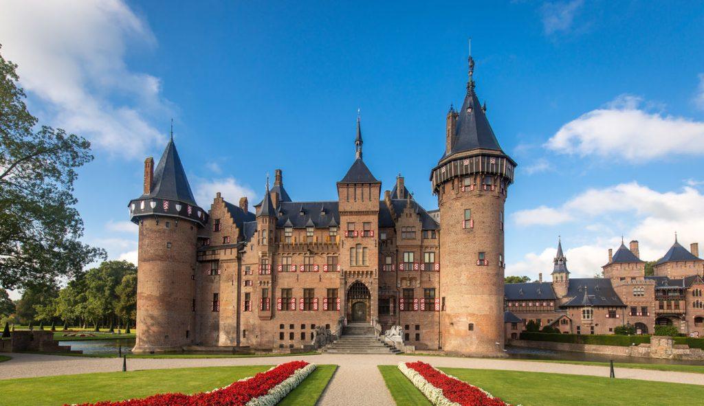 Mơ thấy lâu đài là điềm báo gì? Nên đánh con gì?
