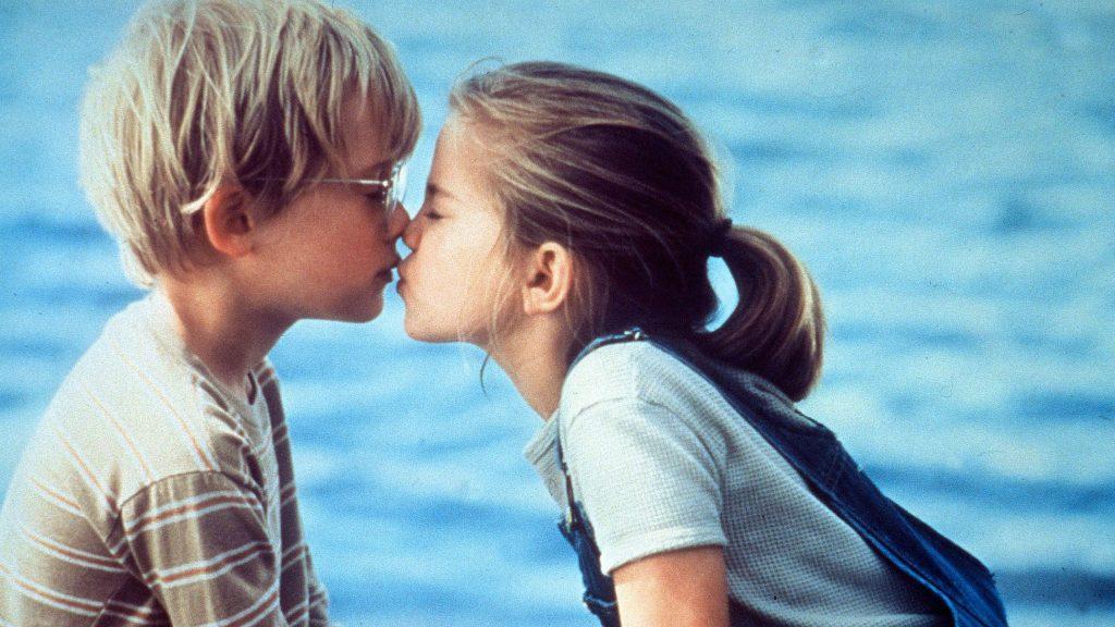 Mơ thấy hôn người yêu cũ là điềm báo tốt hay xấu ?