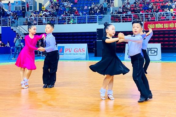 Nằm mơ thấy khiêu vũ có những ý nghĩa gì đặc biệt? Đánh số mấy?