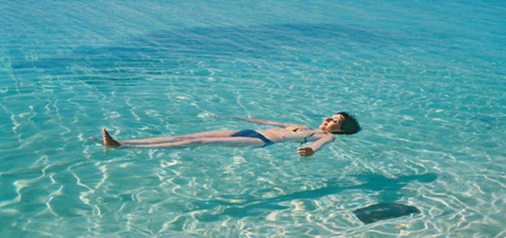 Ngủ mơ thấy ngủ trên mặt nước có ý nghĩa gì? Điềm báo gì?